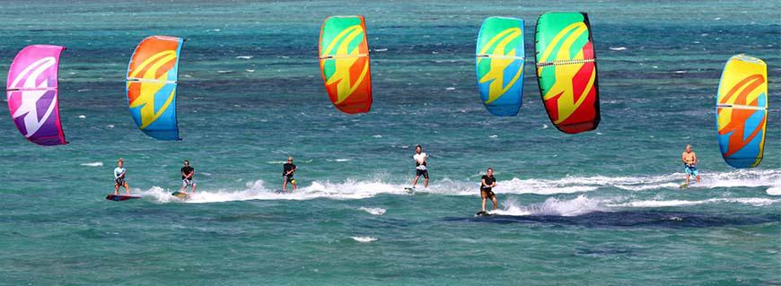 F one kite surfer
